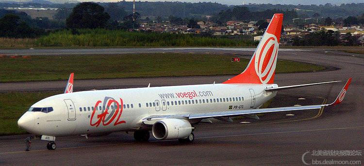 800px-Gol_B737-800_Curitiba.jpg