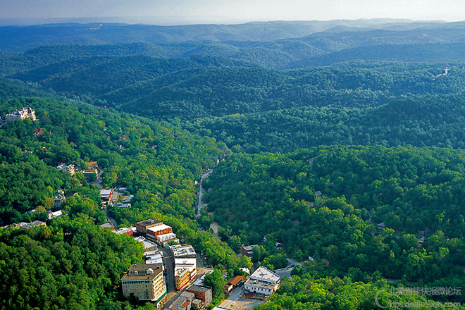 eureka-springs-ozark-mountains-aerial-christ-of-the-ozarks.jpg