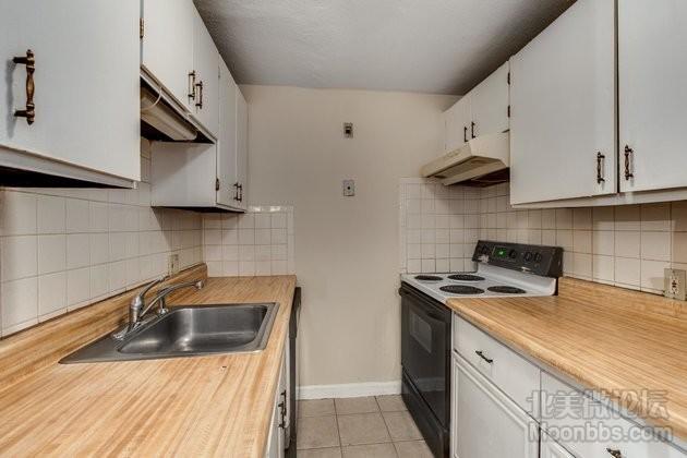 10_Kitchen-2.jpg