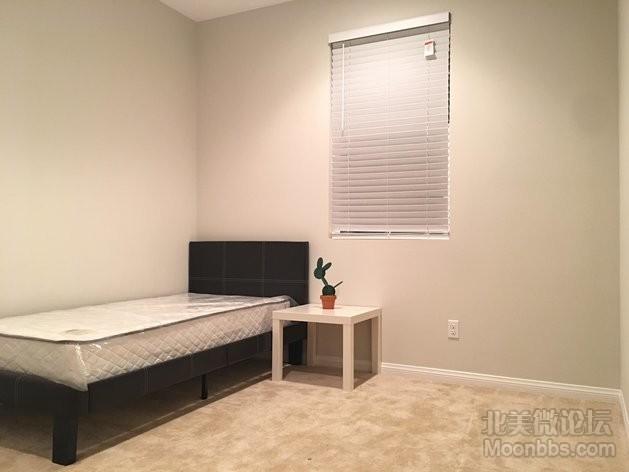 一楼房 $700