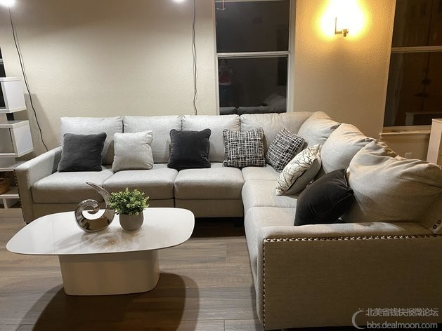 Sectional Sofa 4.jpg
