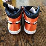 Nike AJ 1?丝绸扣碎