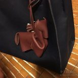 一个很特别很好看 不容易撞的 还有好运的包包挂饰