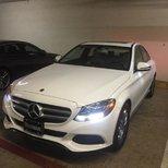 人生第一台小白Mercedes 好滿足!