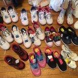 #被鞋子包围