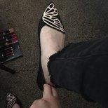 买的蝴蝶鞋巨大。打算退了