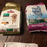 petsmart费了半天劲领到两袋免费狗粮