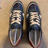新入一双coach的鞋,你们觉得怎么样?