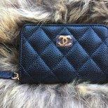 久等的Chanel卡包终于到手啦~