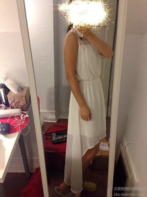 白色连衣裙 前面到膝盖,后面到脚踝