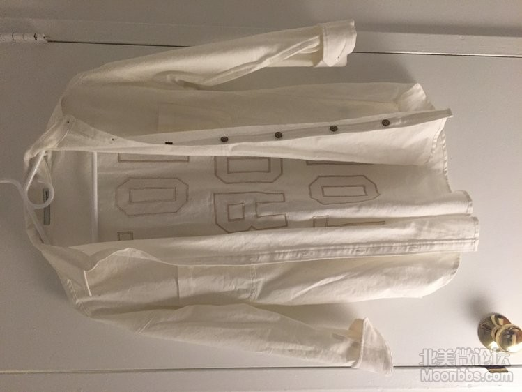 moussy 宽松白色衬衣 60刀