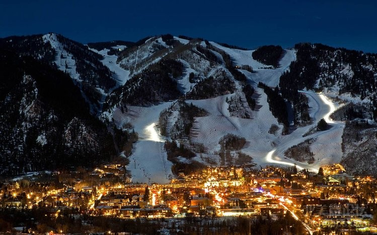 Aspen-CO-Winter-Night-City-Lights.jpg