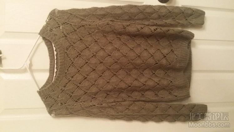 绿色毛衣 $15