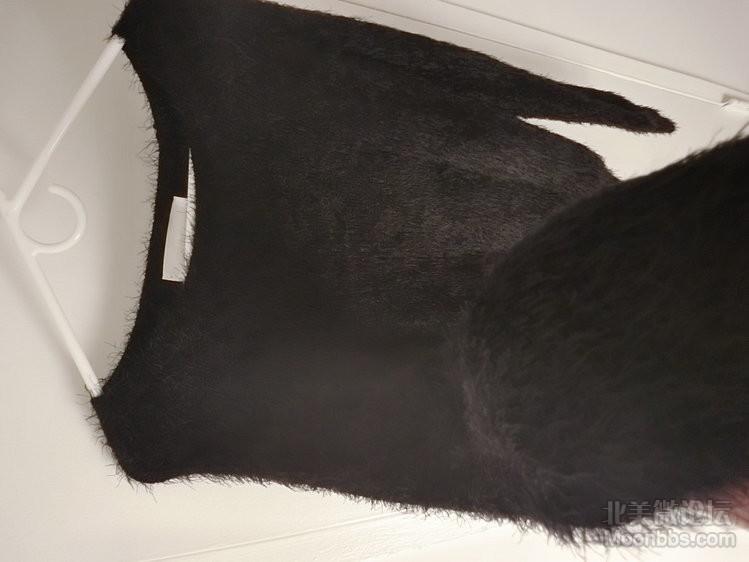 海马毛毛衣 20刀送小裙子