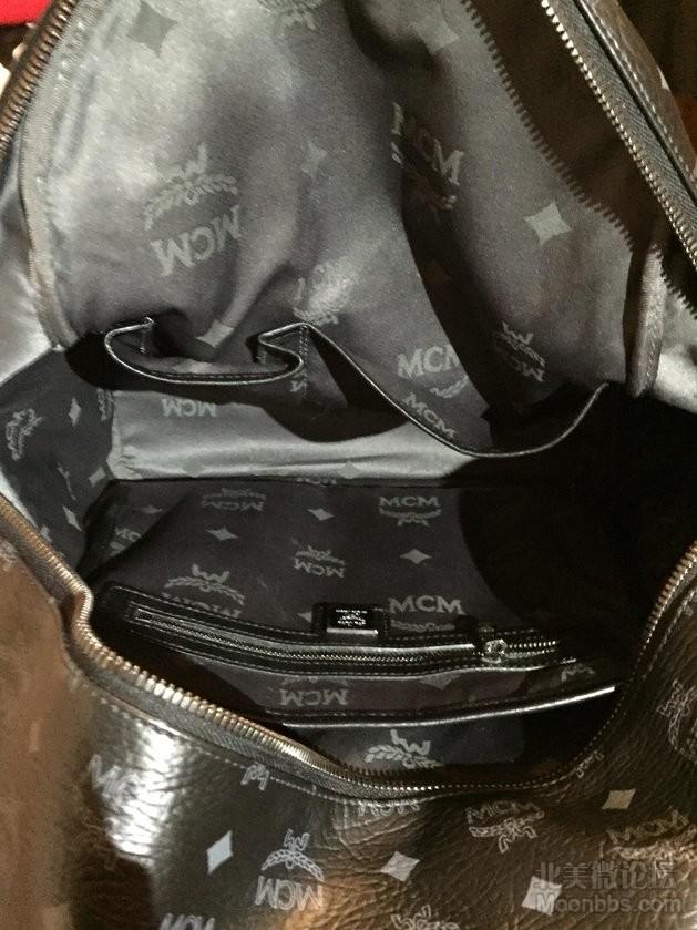 书包里面也很新,没有使用痕迹