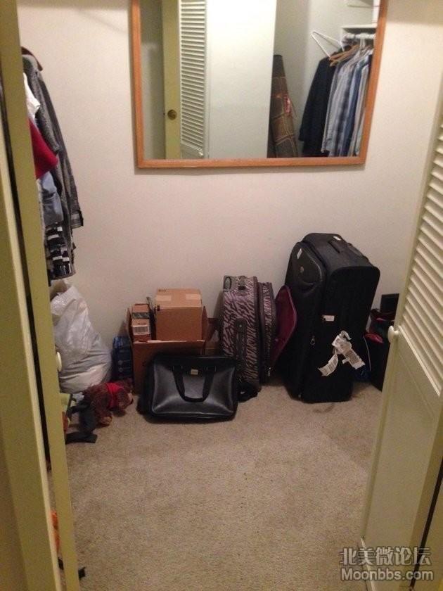 主卧的walk-in closet