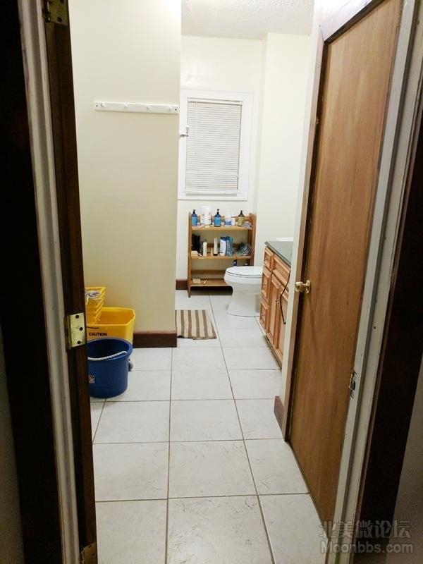 bathroom-001.jpg