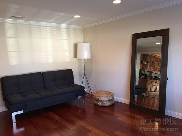 Small_livingroom.JPG