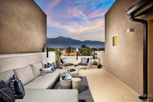 1-The-Row-@-Terra-Vista-P3x_Roof-Deck-1024x683.jpeg