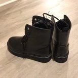 ross 1.49 的马丁靴
